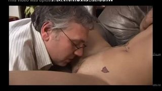 Incesto italiano ragazza italiana fa pompino allo zio italian girl does blowjob